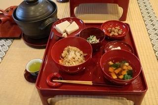 今日の一汁三菜.jpg
