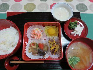 今日の精進料理おせち.jpg