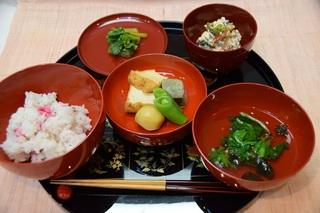 春の精進料理.jpg