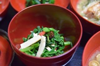 春菊と高野豆腐の和え物.jpg