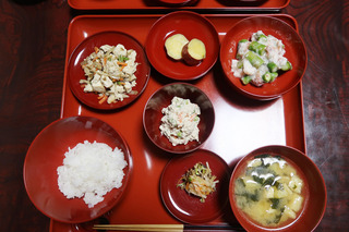 IMG_8575今日の精進料理.jpg